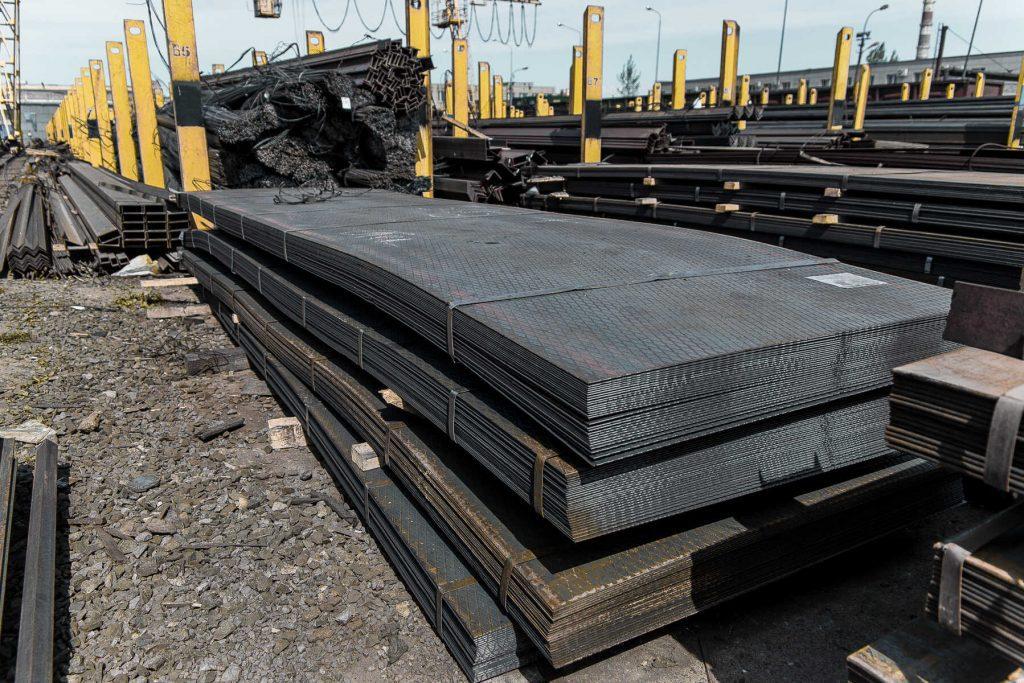 Лист горячекатанный - купить на базе Арес сталь