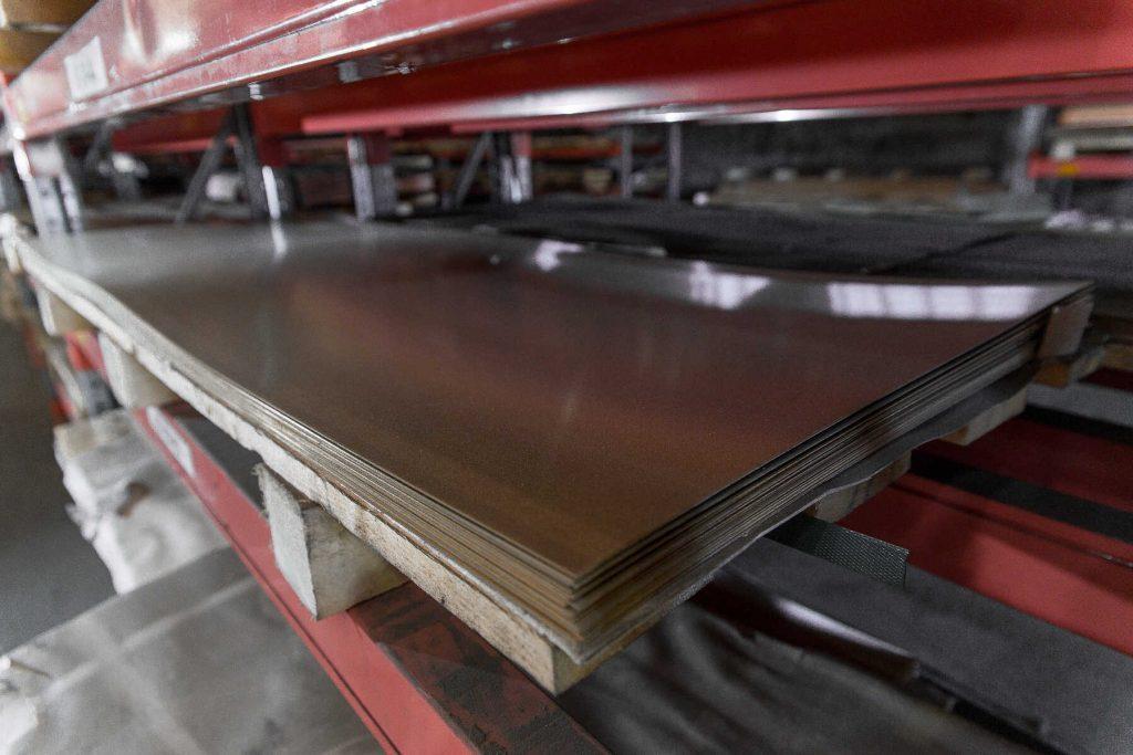 Лист холоднокатаный, металлопрокатный склад компании Арес Сталь